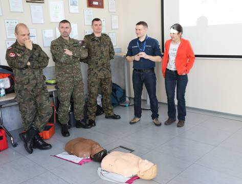 ​The NATO Military Police Centre's of Excellence personnel took part in the defibrillators training